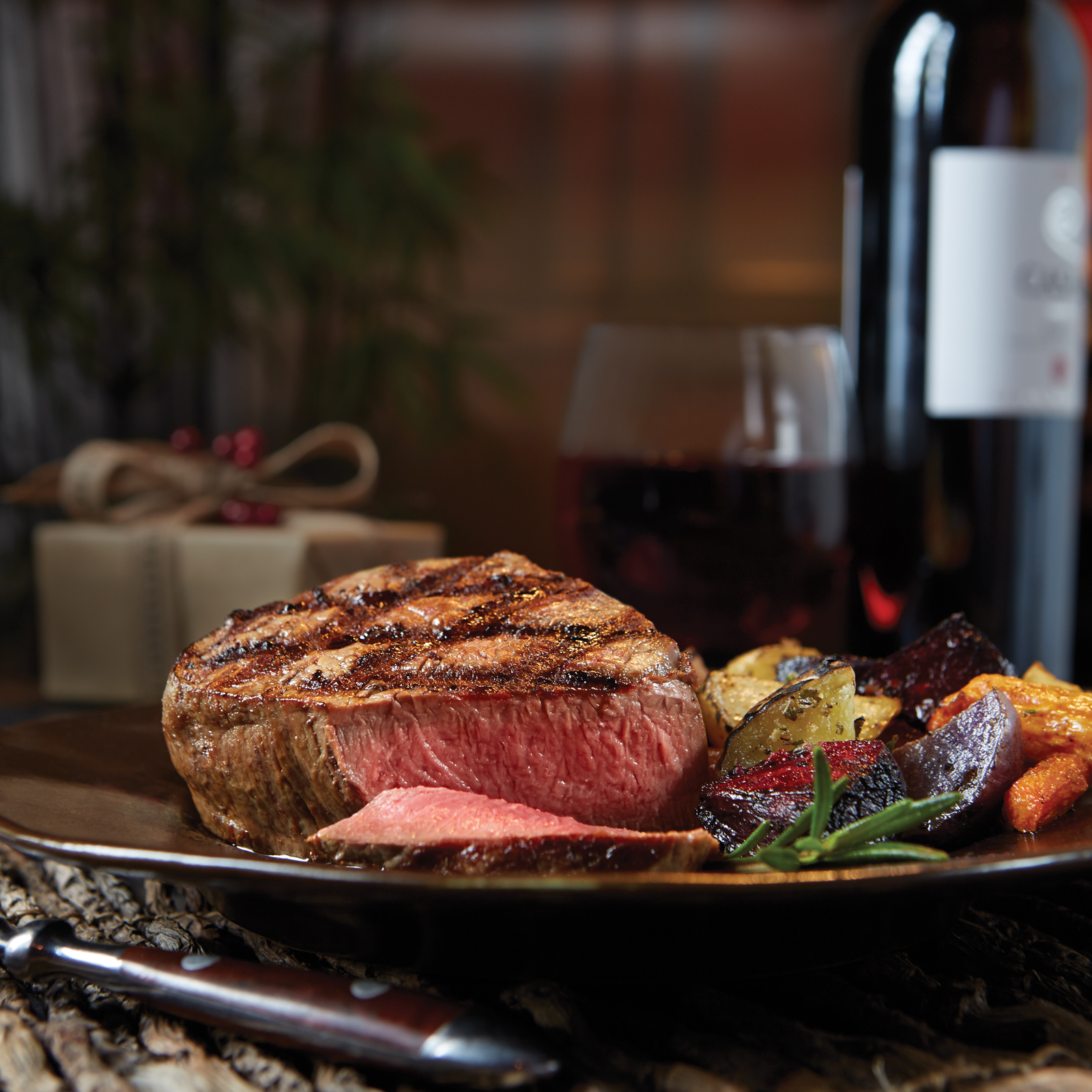 7 Reasons to Serve Steak as the Centerpiece for the Holidays